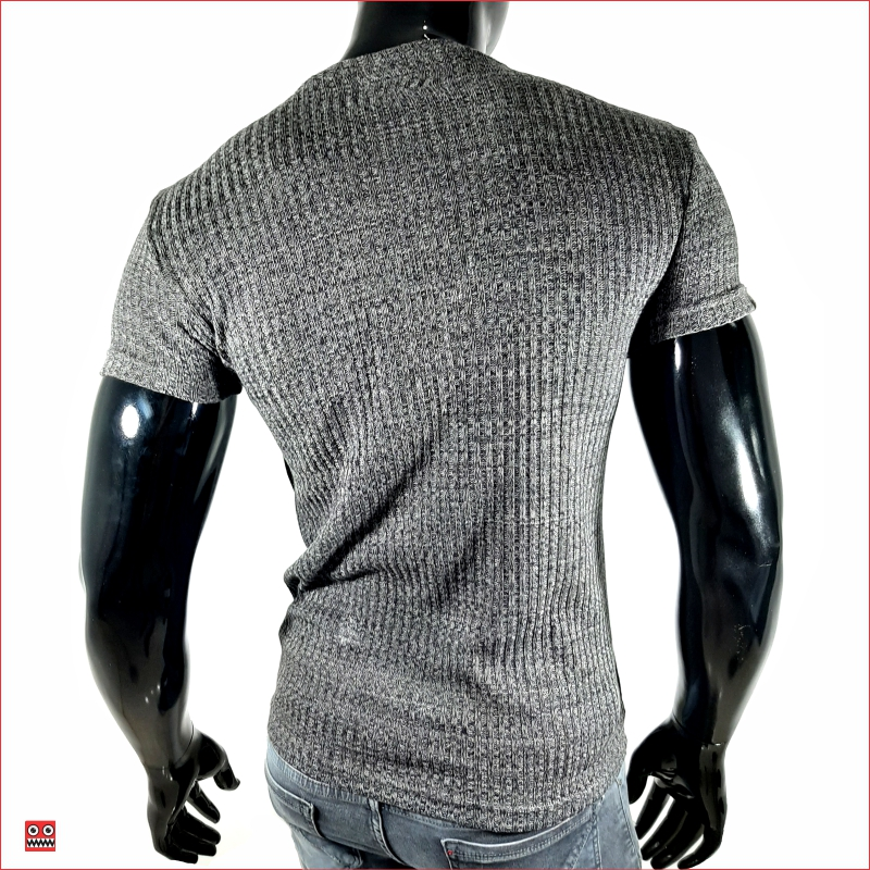 camiseta ref 1460 2 DESCRIPCION camiseta 3D color gris-negro, tela tegida en algodon 100% $42.000. Tallas S-M-L-XL.