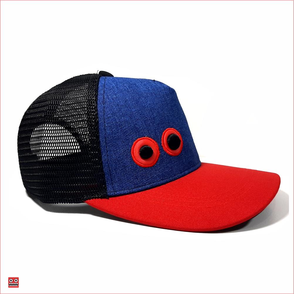 Gorra lona azul y visera roja, con maya negra ojos bordados pequeños 2 $37.000