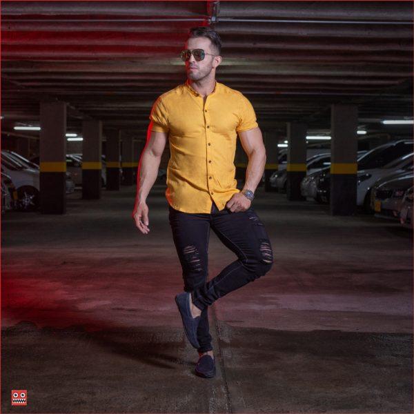 ref 1470 1 Camisa MC mostaza, tela fria 98% viscosa + 2% expande. $57.000