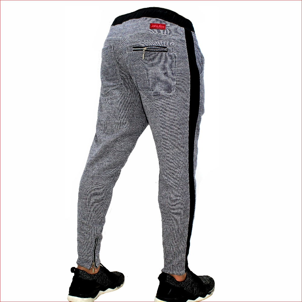 Sudadera ref 1568 02 DESCRIPCION Sudadera jogger color gris oscuro, tela 98% algodon mas 2% de expande. $67 mil