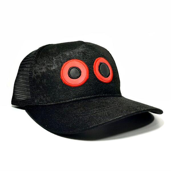 ref 1624  Gorra lona negro visera negro, con maya negra ojos bordados grandes