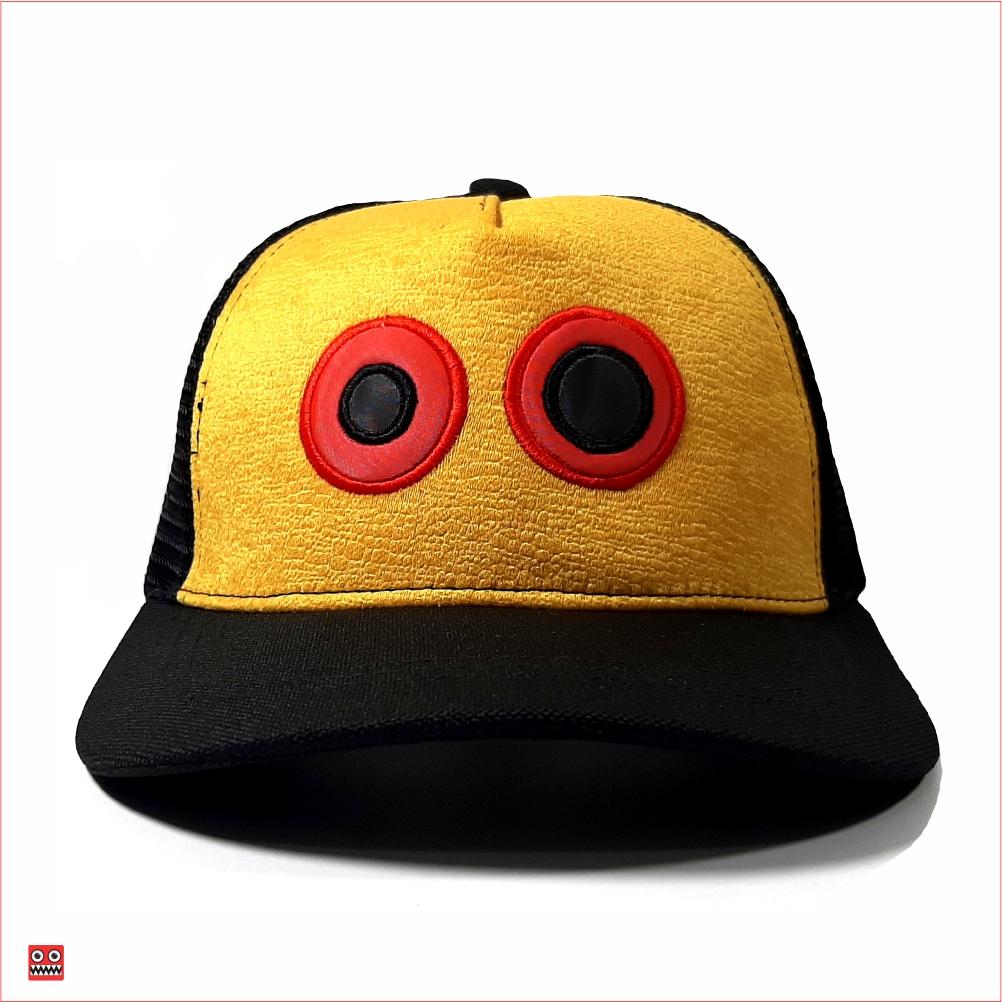 Gorra lona amarillo y visera negro, con maya negra ojos bordados grandes 1 $37.000