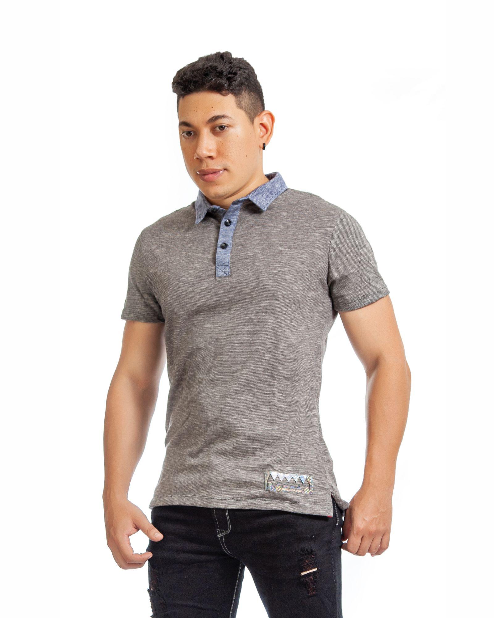 ref 1753 1 polo jersey gris – cuello azul, tela algodon jersey 98% + 2% expande $52.000