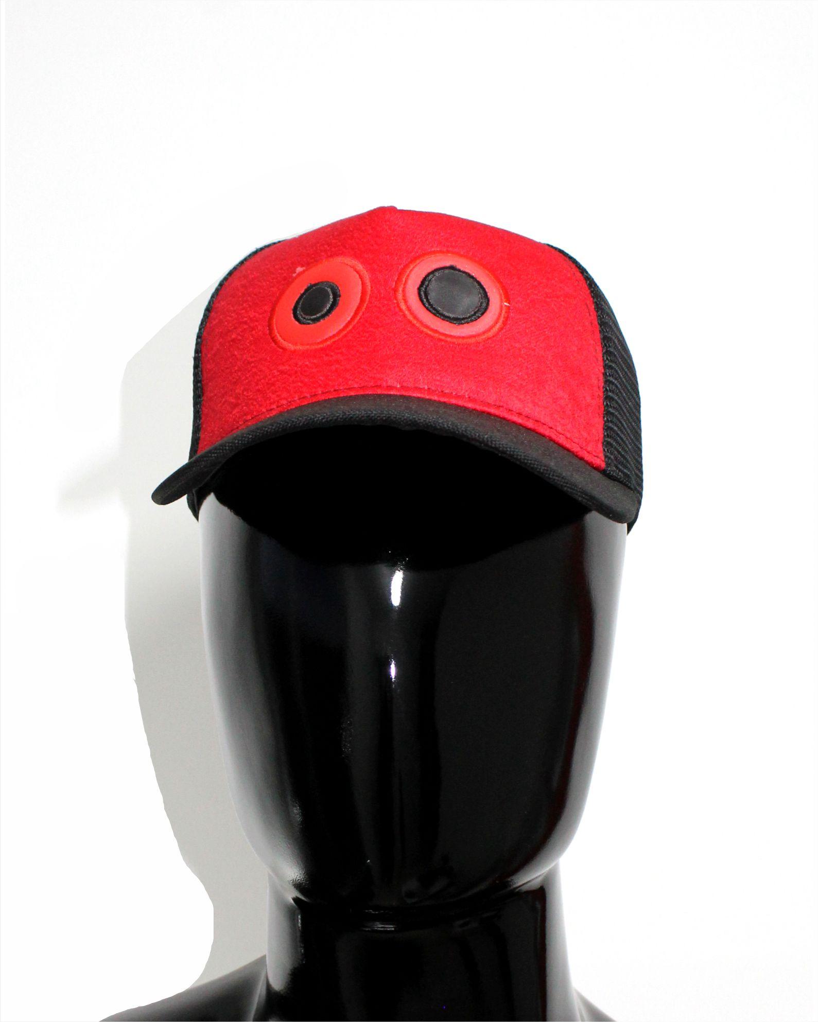 ref 1762 01 Gorra lona rojo visera negro, con maya negra ojos bordados grandes $37.000 talla unica